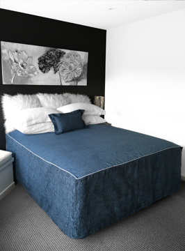 Picture of Chapeau Piped Bed Cover - Caribbean