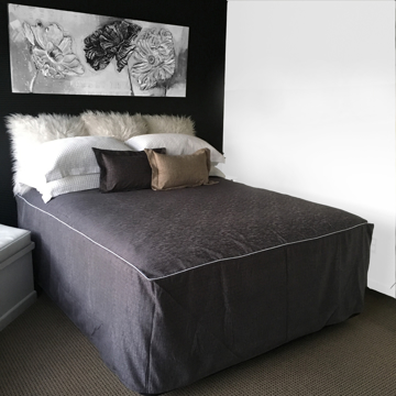 Picture of Chapeau Piped Bed Cover - Pewter
